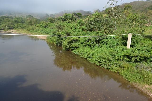 Canalisation d'eau suspendu